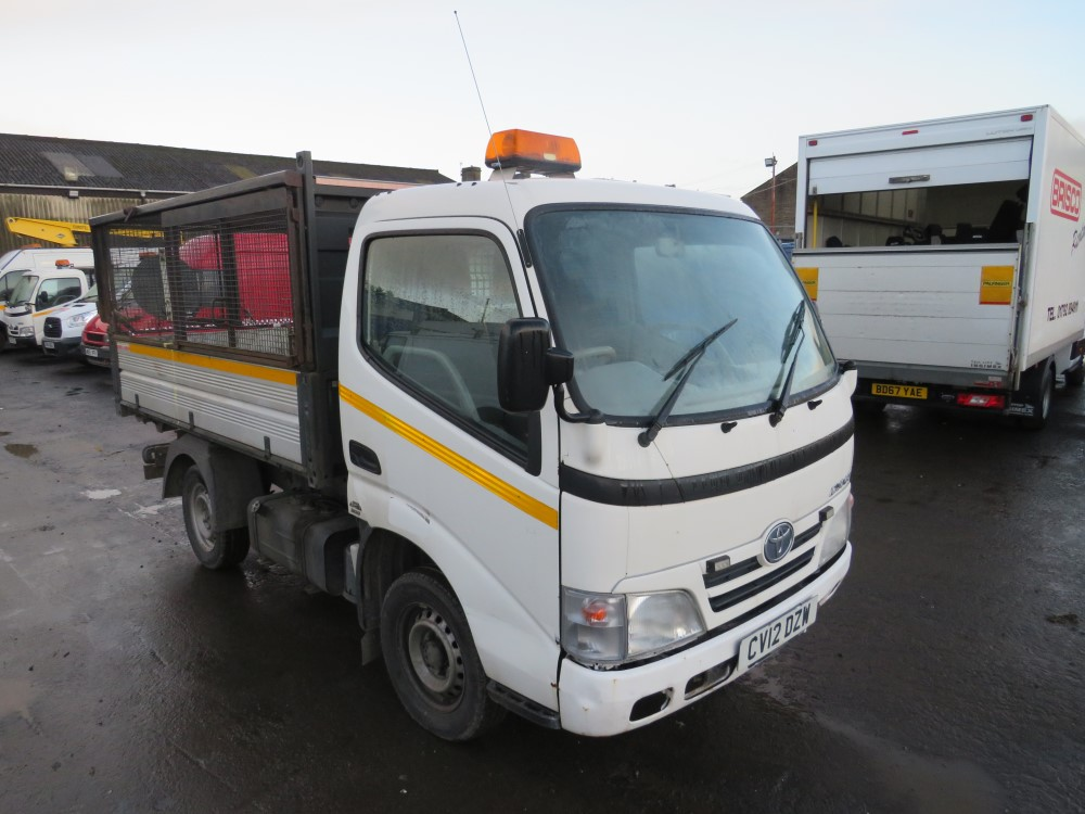 2012 12 reg TOYOTA DYNA 350 D-4D MWB TIPPER (DIRECT COUNCIL)