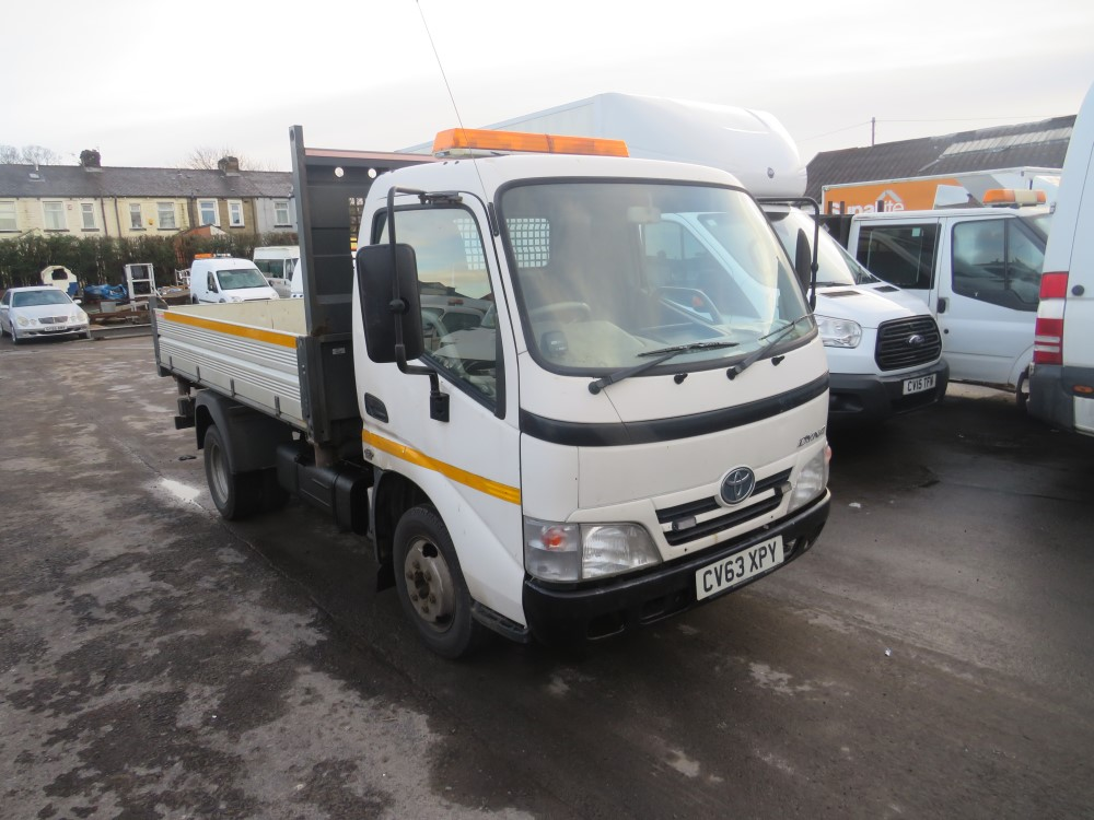 2014 63 reg TOYOTA DYNA 350 D-4D MWB TIPPER (DIRECT COUNCIL)